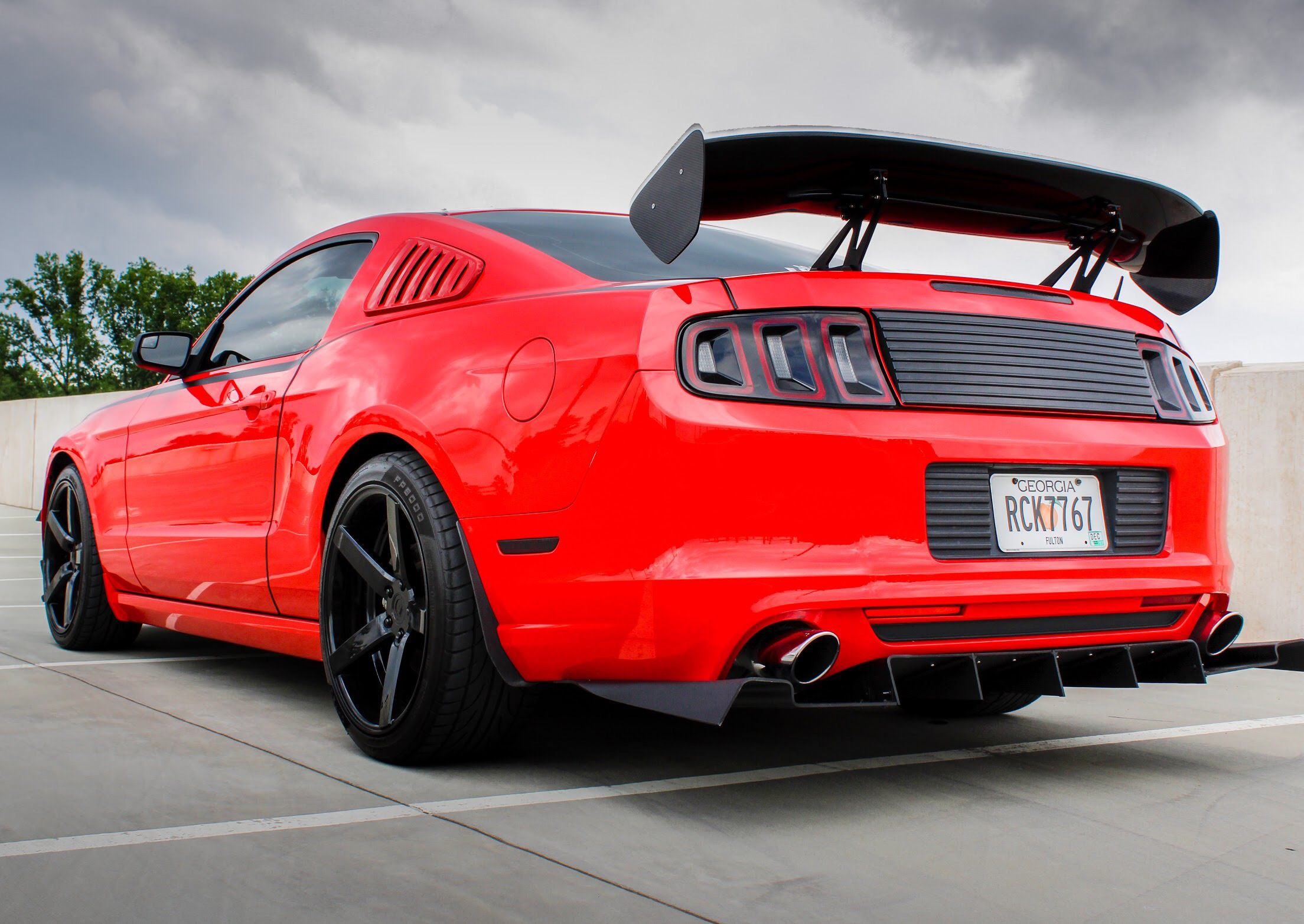 Throtl 2013 14 ford mustang custom rear diffuser
